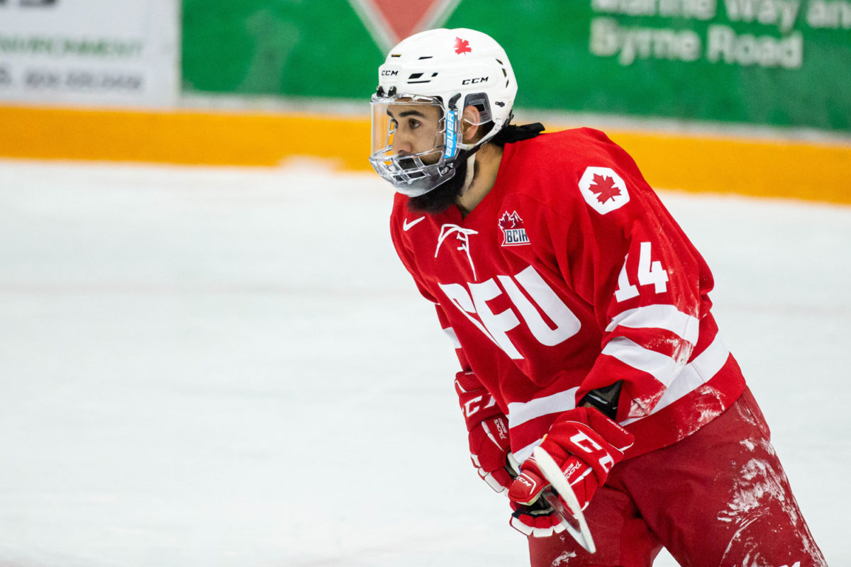 SFU splits weekend series in Castlegar